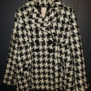 Candies black and white coat